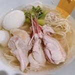 塩生姜らー麺専門店 MANNISH - 料理写真:塩生姜らー麺味玉入り
