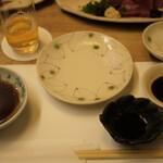 天ぷら新宿つな八 - 天つゆ、岩塩、醤油