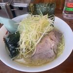 さつまっこ - 料理写真:ネギラーメン