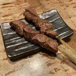 博多串焼もつ煮込み うっとり - 白レバー(180円/1本)