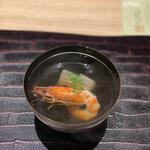 140808988 - 大根にお出汁が染みてる                       お寿司に出て来る海老旨味が堪らない贅沢〜♫
