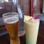 ドゥワンチャン - パイナップルジュースと生ビール