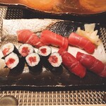 鮨処 すずめ - 料理写真:大間のマグロづくし