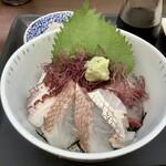 志摩の海鮮丼屋 - 2020年9月8日(火)の海鮮丼(小サイズ)