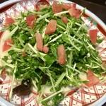 蓬溪閣 - 豆苗の甘酢サラダは辛いものが続いている時にさっと出してくれました この配慮が嬉しい