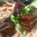 蓬溪閣 - スペアリブはピリ辛で刀削麺はツル&モチ&シコです