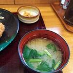 かつ精 - 味噌汁&小鉢