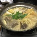 とりきん佐藤 - 名物カレー鍋
