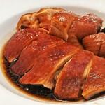 大班樓 The Chairman - 料理写真:十八味鼓油雞 / The Chairman's Soy Sauce Chicken