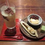 鎌倉かなえ - 冷やし甘酒と季節の和菓子3点盛りのセット