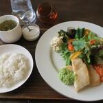 エントロ スープ&タパス - 料理写真:ランチプレート(魚)