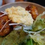 大衆肉居酒屋 ブルーキッチン - 鶏もも肉の南蛮タルタル
