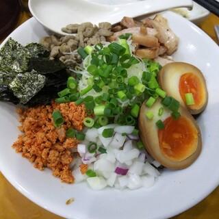 麺屋 扇 - 料理写真:【限定】煮干し油そば 850円