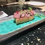 Nishiazabushirukuya - ローストビーフ、もちもちトーストにのせて