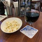 BAR of TOKYO - クラスワインとお通しのポップコーンです