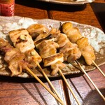 kushiyakisakabakokorohakkenden - 焼き鳥5種