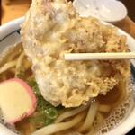 松山 力みなぎる完全無欠うどん 空太郎 - 鶏肉は鳥天と違ってもも肉でジューシーで鶏男悶絶ww