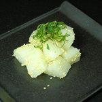 調布 気らく亭 - 東京名物「べったら漬け」を自家製燻製いたしました。二軒目のご利用でもお勧めの逸品です。