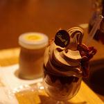 リンツショコラカフェ - リンツ ソフトクリーム ショコラ(ミックス) 680円