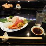えんどう寿司 - お造り四種盛り & 冷酒(玉乃光 純米吟醸 蔵元直送 なまざけ)