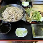 風の庵 - 料理写真:季節の山菜天ぷら蕎麦 1500円