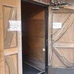 葉山港湾食堂 - 入り口