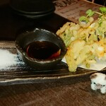 あし跡 - 海老とお野菜たっぷりのかき揚