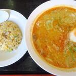 珍満飯店 - 料理写真:担々麺半チャーハンセット