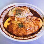 キッチンエッグス - ポテトグラタンのせデミグラスソースオムライス 1,166円 (キッチンエッグス)