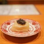 日本料理 たかむら - かぶら餅:ベステルキャビア添え