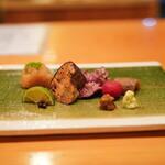 日本料理 たかむら - ツキノワグマの脛と腕