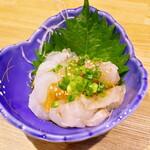 天ぷら・割鮮酒処 へそ - 白身魚のユッケ風