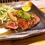 天ぷら・割鮮酒処 へそ - 馬肉ミックスステーキ