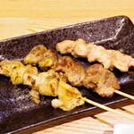 天ぷら・割鮮酒処 へそ - 皮 はつ せせり