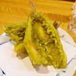 天ぷら・割鮮酒処 へそ - キスの新緑揚げ