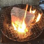 加藤牛肉店シブツウ - 【山形牛A5】シンタマ部位の炭火焼