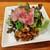 シャンパン食堂のフレンチバル ル・コントワール・ド・シャンパン食堂 - サシの入ったローストビーフは上質な脂がとろける!トリュフオイルで浸け込まれ、高貴な香りがお肉の旨味とマッチ