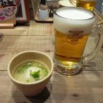 北海道シントク町 塚田農場 - ビールとお通しのスープ