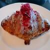 """禅 - 料理写真:①アフタヌーンティー    ピエール・エルメ  の「クロワッサン・イスパハン」イスパハンは""""バラの花""""をイメージしたピエール・エルメで人気のクロワッサン  ~ 食べにくいの~~(^_^;)"""