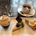 カフェ サルーテ - お好きなケーキ+デザート盛り合わせ、ドリンク