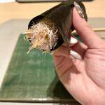 丸の内一丁目 しち十二候 - なめこの手巻き寿司