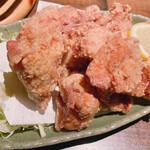 海鮮処 まる貝 - 手仕込み鶏の唐揚げ