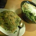 溢香 - 【醤油刀削麺】(700円)+半炒飯(250円)