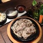 韓国料理 MUN - 三元豚サムギョプサル