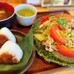 福本屋 - しろ焼きそばランチ(焼きおにぎり)¥1,100
