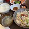 Nikunodaigo - 料理写真:定食の全容。肉はカルビ。