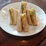 じゅうやくしつ - 料理写真:モーニング  ( 玉子サンドトースト )