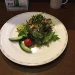 キッチン放蕩 - きざみ海苔がonしたサラダ