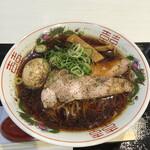 鯛塩そば 灯花 - ブラックラーメン920円+味玉トッピング