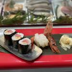 立喰 さくら寿司 - ・まぐろ納豆 200円 ・赤えび 250円